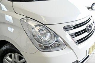 2016 Hyundai iMAX TQ3-W Series II MY16 White 5 Speed Automatic Wagon.