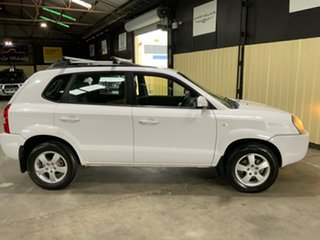 2008 Hyundai Tucson 08 Upgrade City SX White 5 Speed Manual Wagon