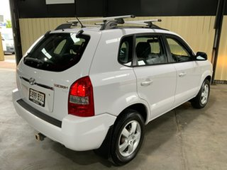 2008 Hyundai Tucson 08 Upgrade City SX White 5 Speed Manual Wagon.