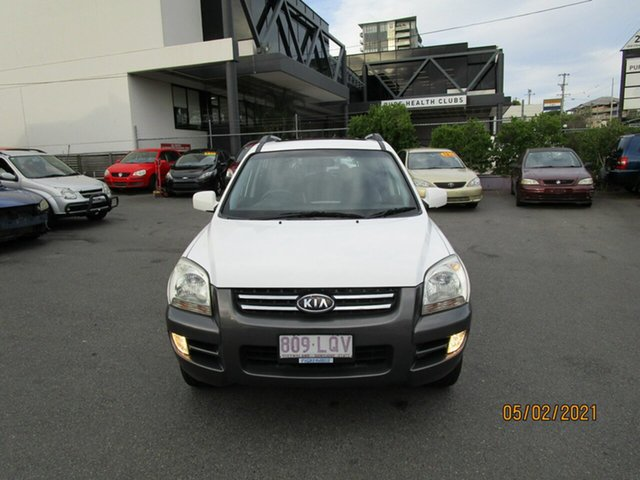 Used Kia Sportage KM EX-L (Limited) (4x4) Coorparoo, 2007 Kia Sportage KM EX-L (Limited) (4x4) White 6 Speed Manual Wagon