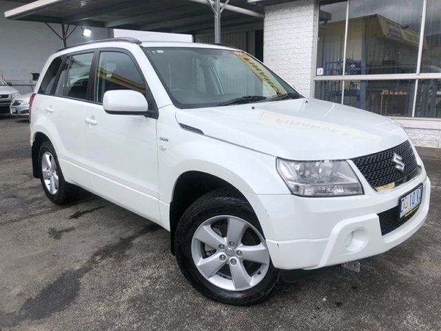 Used Suzuki Grand Vitara JB MY09 Launceston, 2012 Suzuki Grand Vitara JB MY09 White 5 Speed Manual Wagon