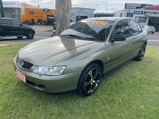 2002 Holden Commodore VY Executive Gold 4 Speed Automatic Sedan.