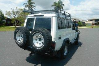 2010 Toyota Landcruiser VDJ78R MY10 GXL Troopcarrier White 5 Speed Manual Wagon.