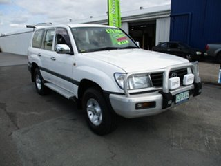 1998 Toyota Landcruiser White 4 Speed Automatic Wagon.
