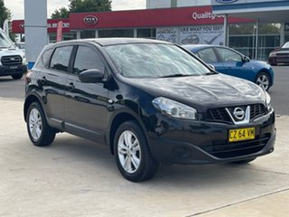 2013 Nissan Dualis ST Black Manual Hatchback.