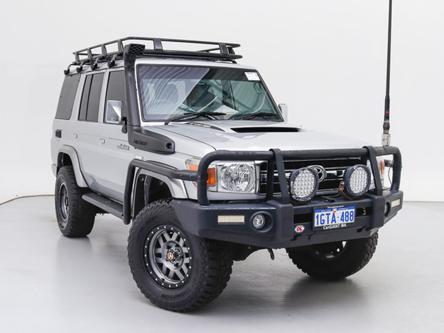 Used Toyota Landcruiser VDJ76R MY12 Update GXL (4x4), 2015 Toyota Landcruiser VDJ76R MY12 Update GXL (4x4) Silver 5 Speed Manual Wagon