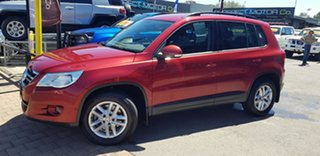 2011 Volkswagen Tiguan 5NC MY11 125 TSI Burgundy 7 Speed Auto Direct Shift Wagon.