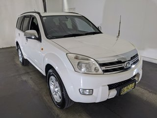 2010 Great Wall X240 CC6460KY White 5 Speed Manual Wagon.