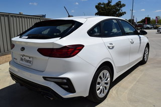 2018 Kia Cerato BD MY19 S Clear White 6 Speed Sports Automatic Hatchback