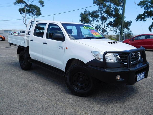 Used Toyota Hilux KUN26R MY14 SR Double Cab Wangara, 2015 Toyota Hilux KUN26R MY14 SR Double Cab White 5 Speed Automatic Cab Chassis