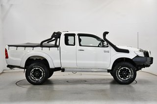 2012 Toyota Hilux KUN26R MY12 SR5 Xtra Cab White 5 Speed Manual Utility