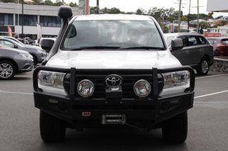 2016 Toyota Landcruiser VDJ200R GX White 6 Speed Sports Automatic Wagon.