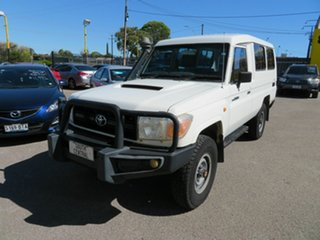 2010 Toyota Landcruiser VDJ78R 09 Upgrade Workmate (4x4) 11 Seat White 5 Speed Manual TroopCarrier.