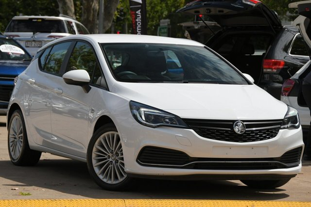 Used Holden Astra BK MY17 R Toowoomba, 2016 Holden Astra BK MY17 R White 6 Speed Sports Automatic Hatchback