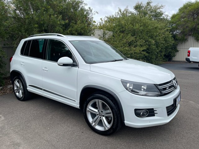 Used Volkswagen Tiguan 5N MY16 155TSI DSG 4MOTION R-Line Devonport, 2016 Volkswagen Tiguan 5N MY16 155TSI DSG 4MOTION R-Line White 7 Speed Sports Automatic Dual Clutch