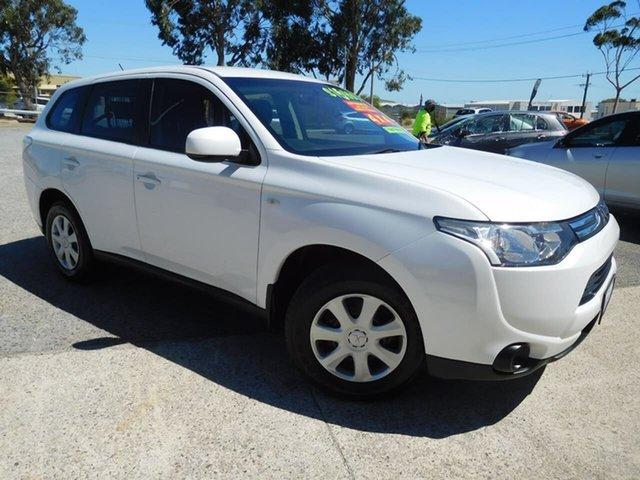 Used Mitsubishi Outlander ZJ MY13 ES 4WD Wangara, 2013 Mitsubishi Outlander ZJ MY13 ES 4WD White 6 Speed Constant Variable Wagon