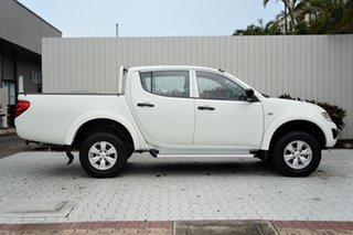 2013 Mitsubishi Triton MN MY14 GLX Club Cab White 5 Speed Manual Utility.