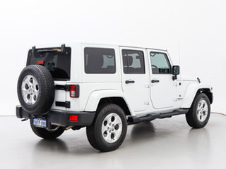 2015 Jeep Wrangler Unlimited JK MY15 Overland (4x4) White 5 Speed Automatic Hardtop