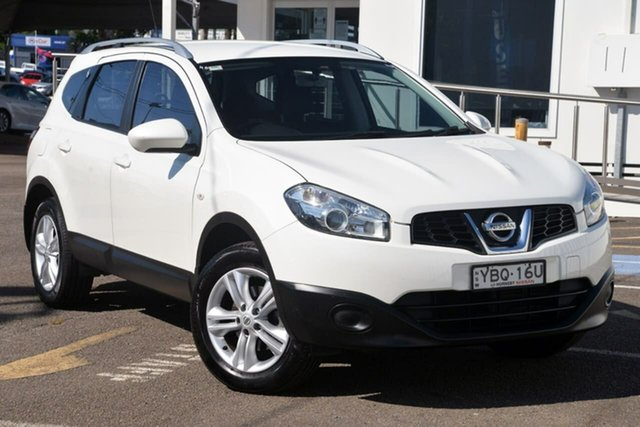 Used Nissan Dualis J107 Series 3 MY12 +2 Hatch X-tronic 2WD ST North Gosford, 2013 Nissan Dualis J107 Series 3 MY12 +2 Hatch X-tronic 2WD ST White 6 Speed Constant Variable