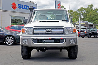 2020 Toyota Landcruiser VDJ79R GXL Double Cab White 5 Speed Manual Cab Chassis.