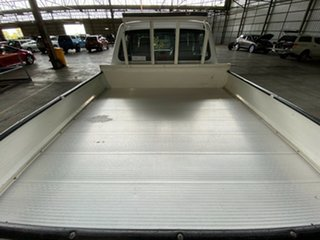 2010 Tata Xenon White 5 Speed Manual Traytop