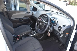 2015 Holden Barina TM MY16 CD White 5 Speed Manual Hatchback