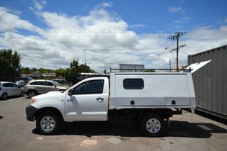 2006 Toyota Hilux KUN26R MY05 SR White 5 Speed Manual Cab Chassis.