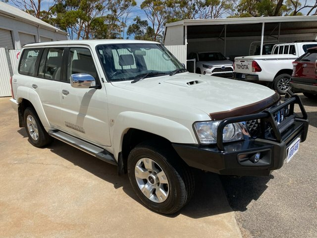 Pre-Owned Nissan Patrol GU 7 MY10 ST Moora, 2011 Nissan Patrol GU 7 MY10 ST White 5 Speed Manual Wagon