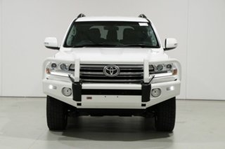 2016 Toyota Landcruiser VDJ200R MY16 GXL (4x4) White 6 Speed Automatic Wagon.