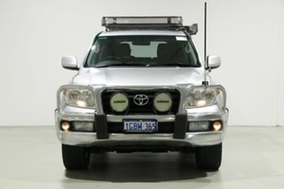 2011 Toyota Landcruiser VDJ200R Altitude SE Silver 6 Speed Automatic Wagon.