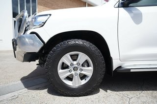 2016 Toyota Landcruiser VDJ200R GXL White 6 Speed Sports Automatic Wagon.