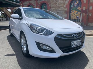 2014 Hyundai i30 GD2 MY14 SE White 6 Speed Manual Hatchback.