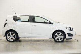 2016 Holden Barina TM MY16 CDX White 6 Speed Automatic Hatchback