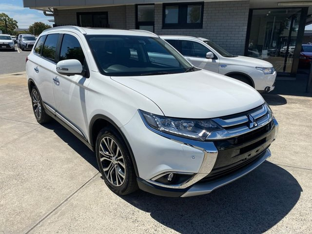 Used Mitsubishi Outlander ZK MY16 Exceed 4WD Hillcrest, 2016 Mitsubishi Outlander ZK MY16 Exceed 4WD White 6 Speed Constant Variable Wagon