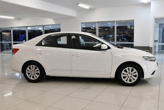 2010 Kia Cerato TD MY10 S White 5 Speed Manual Sedan.