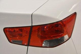 2010 Kia Cerato TD MY10 S White 5 Speed Manual Sedan