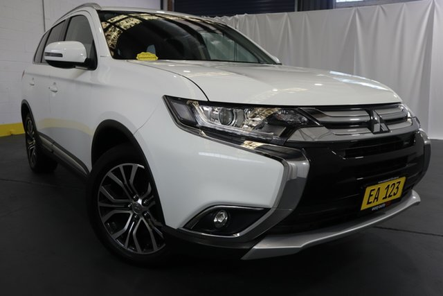 Used Mitsubishi Outlander ZL MY18.5 LS 2WD Castle Hill, 2018 Mitsubishi Outlander ZL MY18.5 LS 2WD White 6 Speed Constant Variable Wagon