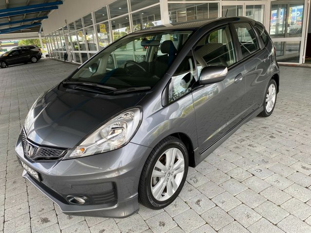 Used Honda Jazz Vibe-S Taree, 2013 Honda Jazz Vibe-S Grey Automatic Hatchback