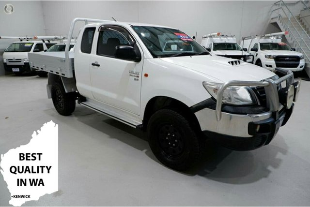 Used Toyota Hilux KUN26R MY14 SR Xtra Cab Kenwick, 2014 Toyota Hilux KUN26R MY14 SR Xtra Cab White 5 Speed Manual Cab Chassis