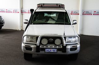 2004 Toyota Landcruiser HDJ100R GXL (4x4) White 5 Speed Automatic Wagon.