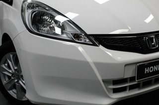 2013 Honda Jazz GE MY13 Vibe White 5 Speed Manual Hatchback.