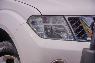 2014 Nissan Navara D40 S6 MY12 ST White 6 Speed Manual Utility.