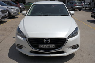 2016 Mazda 3 BM5476 Maxx SKYACTIV-MT White 6 Speed Manual Hatchback.