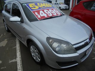 2006 Holden Astra AH MY06.5 CD Silver 5 Speed Manual Hatchback.