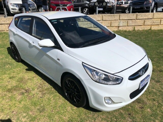 Used Hyundai Accent RB4 MY17 SR Wangara, 2017 Hyundai Accent RB4 MY17 SR White 6 Speed Sports Automatic Hatchback