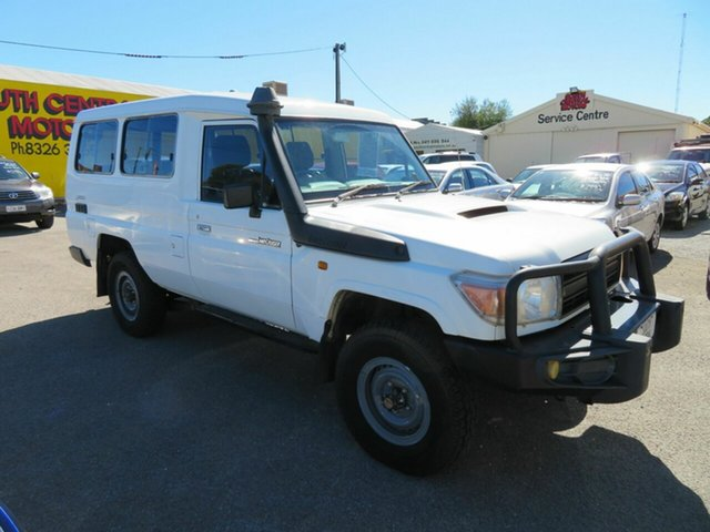 Used Toyota Landcruiser VDJ78R 09 Upgrade Workmate (4x4) 11 Seat Morphett Vale, 2010 Toyota Landcruiser VDJ78R 09 Upgrade Workmate (4x4) 11 Seat White 5 Speed Manual TroopCarrier