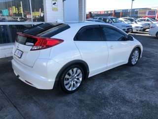 2013 Honda Civic 9th Gen MY13 VTi-L White 5 Speed Sports Automatic Hatchback.