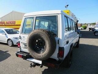2008 Toyota Landcruiser VDJ78R Workmate (4x4) 11 Seat White 5 Speed Manual TroopCarrier.