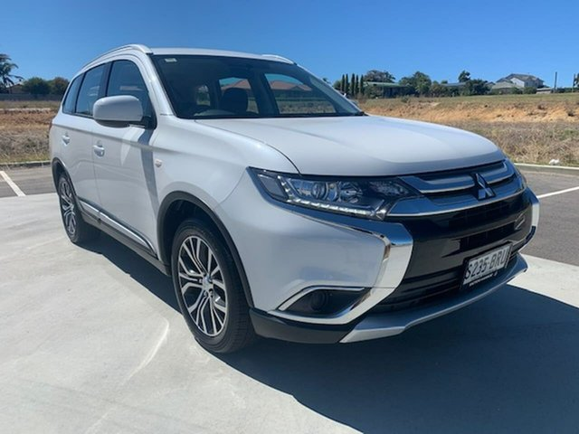 Used Mitsubishi Outlander ZL MY18.5 ES 2WD Victor Harbor, 2017 Mitsubishi Outlander ZL MY18.5 ES 2WD White 5 Speed Manual Wagon