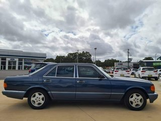 1990 Mercedes-Benz 300SE Blue Automatic Sedan.